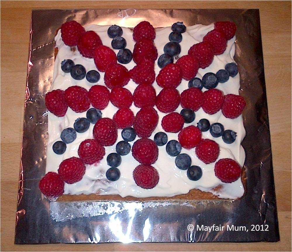 20120605 Jubilee victoria sponge